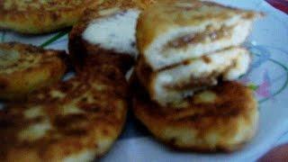 Сырники с начинкой из  вареной сгущенки.