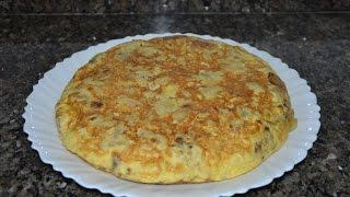 Испанская картофельная тортилья (Tortilla de patatas). Испанская кухня.
