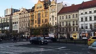 Чехия.Прага.Вацлавская площадь.ресторан с паровозиками Вытопна.