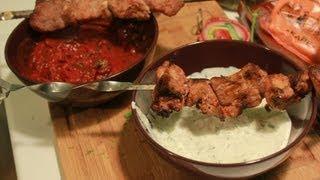 Рецепт соусов к шашлыку. Соус тартар и томатный соус.
