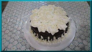 Вкусный бисквитный торт с суфле и сливочным кремом. Украшение тортов в домашних условиях